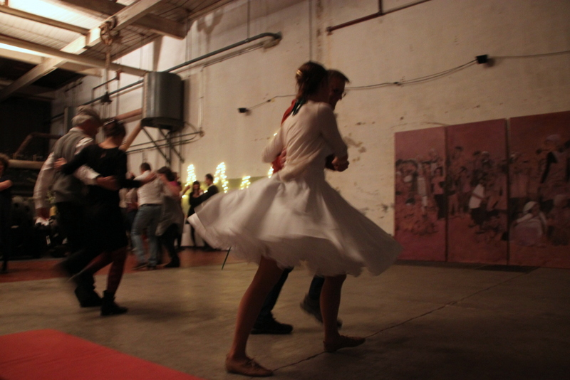 Tanz in den Frühling am Freitag 5. April fand regen Zulauf und der Swing-Crash-Kurs zum Einstieg mit Roland und Ulrike 'war richtig gut' (Zitat Kathrin). Dann lassen wir doch die Bilder sprechen...