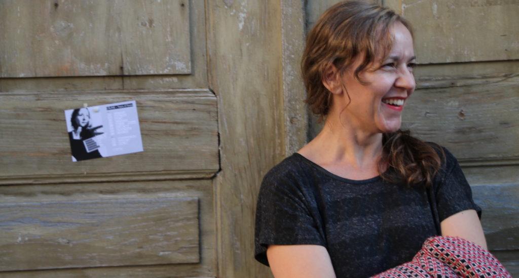 Samstag 19. September, 20:00 im Diesellokal, Kollekte CÂLINE ist die Zürcher Band um die Sängerin und Songschreiberin Sabine Wiesli. Eigenwillig und unbefangen bewegt sich ihre Musik zwischen Einfl...
